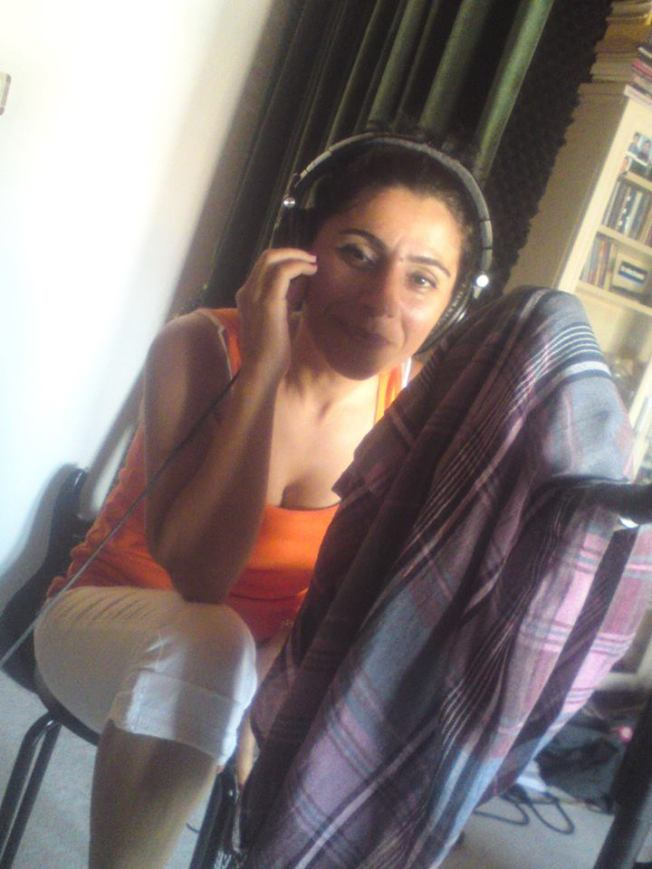 Kurdish singer Rojda Ṣenses recording on the album