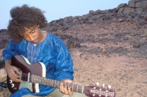 tamikrest_ousmane_guitar-2048x1365